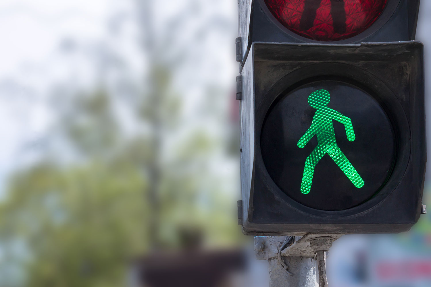 Why Traffic Lights Are Still The Heroes of Our Highways